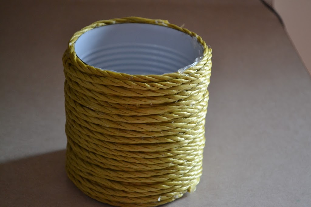 Rope Covered Can