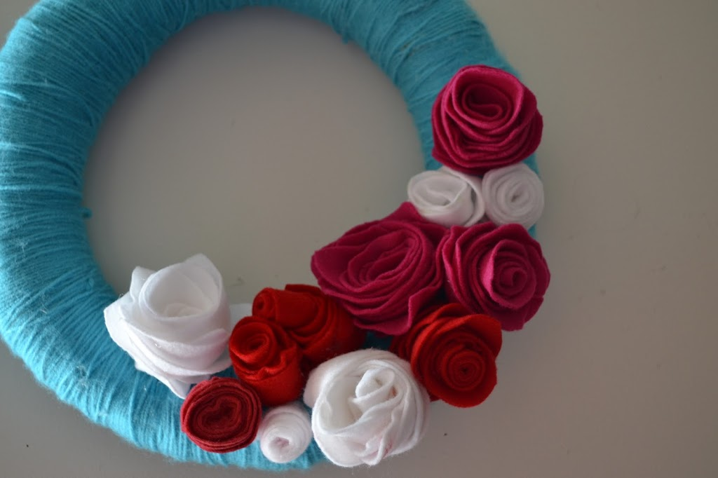 yarn-wreath-001